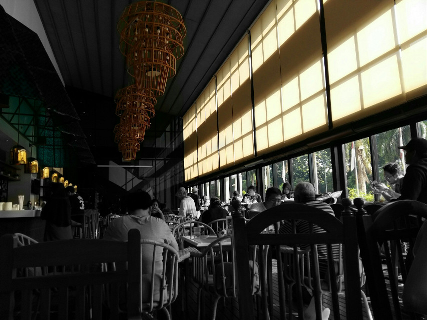 Silhouettes #lounge #people #life #bar #eatery #photography #silhouette  @pa