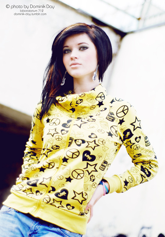Darina #girl #portrait #brunette #beautiful #Emo #emogirl #trashmodel #yellow #cute #pretty #colorful #hair #makeup #yellow