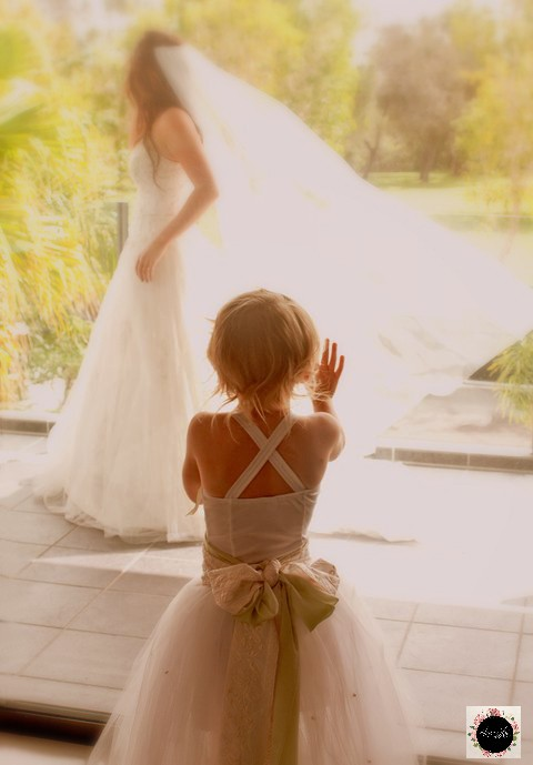 Dreaming ... #laurenamiphotographs #naturallight #quirkyweddingideas #Australia #bridalbeauty #vail #wow #brideandgroom #socool #weddingphotography #brida
