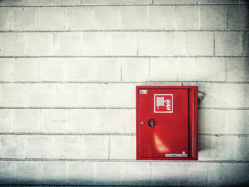 #walls #red #minimalism #minimal